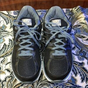 WMNS NIKE DUAL FUSION LITE,IN GREAT CONDITIONS SZ8